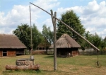 Ukraina.Oddamy stare drewniane budynki do rozbioru,PGRy